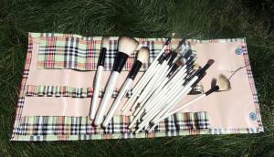 20 makeup brushes arrayed